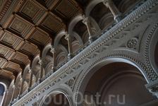 Интерьер центрального корпуса университета