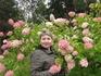 В окружении цветов