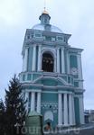 Колокольня возле собора.