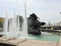 Великолепный фонтан &quotЧетыре времени года&quot