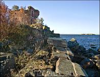Далее форт служил мишенью по которой нещадно лупили при учебных стрельбах добивая до полной гибели. Не смогли!
