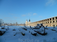 Кирилло-Белозерский мужской монастырь - самый большой в России.