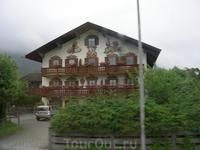 """Знаменитая люфтмалерай - """"воздушная"""" живопись, украшающая домики самого знаменитого немецкого горнолыжного курорта Гармиш-Партенкирхена"""