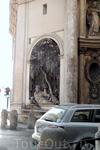 Улица четырёх фонтанов днём. Фонтан один,