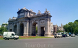 Знаменитая Puerta de Alcalá