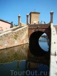 Старинный город Комакьо. В старину был похож на Венецию. Осталось много каналов, по которым возят туристов на лодках.