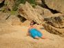 на диком пляже