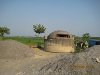 Один из полумиллиона бункеров Албании