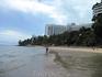 Пляж рядом с нашим отелем. Вдалеке виден отель Royal Cliff 5*.