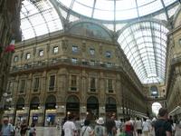 Галерея Витторио Эммануэле - это улицы под стеклом.