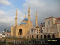Мечеть и Христианская церковь рядом