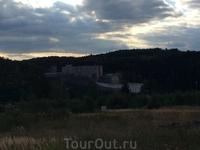 Вид на Замок из городочка.