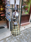 Магазин сувениров, продающий остатки товара, не купленного в «El dia de los Muertos» (день мертвых) ну проще говоря, местный Хэллоуин. Интересно, что магазинчик ...