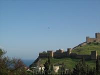 Парапланеристы над Генуэзской крепостью 4.
