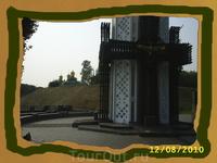 Памятник погибшим от голода украинцам. Киев. август 2010 года