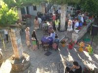 внутренний дворик винодельни деревенской свядьбы