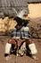Вождь Зулусов. Сколько перьев - столько жен! Не знаю точно! но перья могут носить только женатые мужчины!