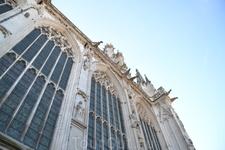 Отстроенный собор был настолько велик (его длина 145 м), что мог вместить все население Амьена, насчитывавшее в то время около 10 тысяч человек  Его украшают 3600 скульптур – рекордное, как отмечают