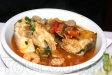 Такой рыбный суп съесть одному тяжело