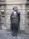 памятник шведскому поэту