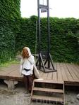 Франция. Каркассон. Музей инквизиции. Гильотина