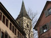 Башня Церкви Святого Петра с самыми большими башенными часами Европы.