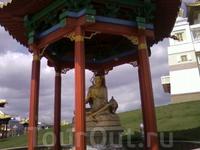 пагода в храмовом комплексе