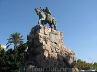 Площадь Испании. Памятник завоевателю Хайме I.