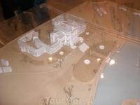 В музее: макет усадебного дома