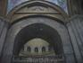 """Иерусалим.Храм Воскресения. В его центре на мраморном полу на небольшом возвышении установлена каменная ваза, символизирующая """"пуп земли""""."""