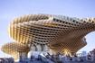 Один из немногих образцов современной архитектуры в центре Севильи. Поразительно,что Метрополь Парасоль Юргена Майера выполненна из дерева, только центр ...
