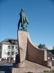 Памятник первооткрывателю Америки - викингу Лейфу Эрикссону ( по мнению исландцев)