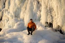 замерзший водопад в парке Тингвелир