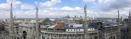 Панорама Милана с террасы Собора.