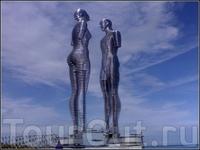 Скульптура Али и Нино (Любовь)