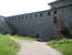 Крепость Орешек. Стена, частично отреставрированная.