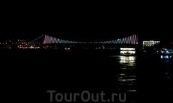 Мост через Босфор. Ночная подсветка