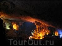 Пещеры в Халонге