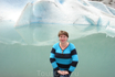 Ледник подтаивает и образует небольшое озерцо