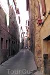 Типичная улица Сиены.