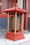 Тибетский вращающийся цилиндр, на нем нанесены священные мантры и молитвы. Вращать их надо по часовой стрелке и да будет тогда много-много счастья!!!
