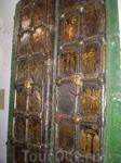 В суздальском соборе Рождества Богородицы сохранилось двое Золотых врат - южные и западные. На западных вратах - сцены из Евангелия. Это главные церковные ...