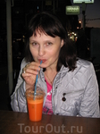 Морковный сок. Никогда не думал что буду пить его в больших количествах. В Нетании он продается на каждом углу, стоит не дорого и безумно вкусный.