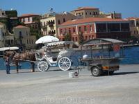 Набережная с ресторанчиками,тавернами,и увеселительной прогулки на лошадке и кораблике.