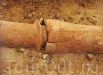 Водопроводные трубы, которым всего более 4000 лет. А в каком они состоянии! :))
