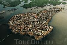 Жоаль-Фадиут (Joal-Fadiouth), Сенегал Жоаль-Фадиут - одно из самых красивых поселений западного Сенегала
