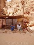 В Цветном каньоне с бедуинами.