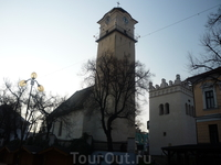 И еще одна церковь в Попраде (почти в центре)