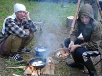 Готовим оладушки на полевой кухне