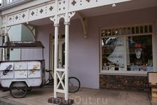 Gold Reef City. Магазинчик с фирменными сладостями, сделанными в ручную. Там я впервые попробовала горький шоколад с красным чили перцем. Незабываемые ...